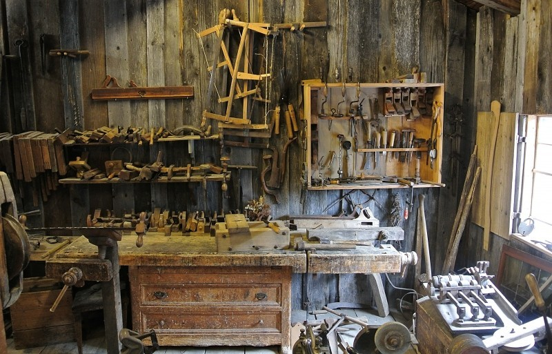 carpenters-tools-in-old-barn.jpg